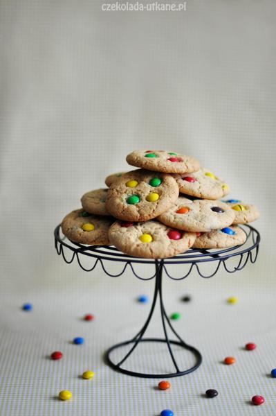 Kolorowe ciasteczka z masłem orzechowym i M&M's