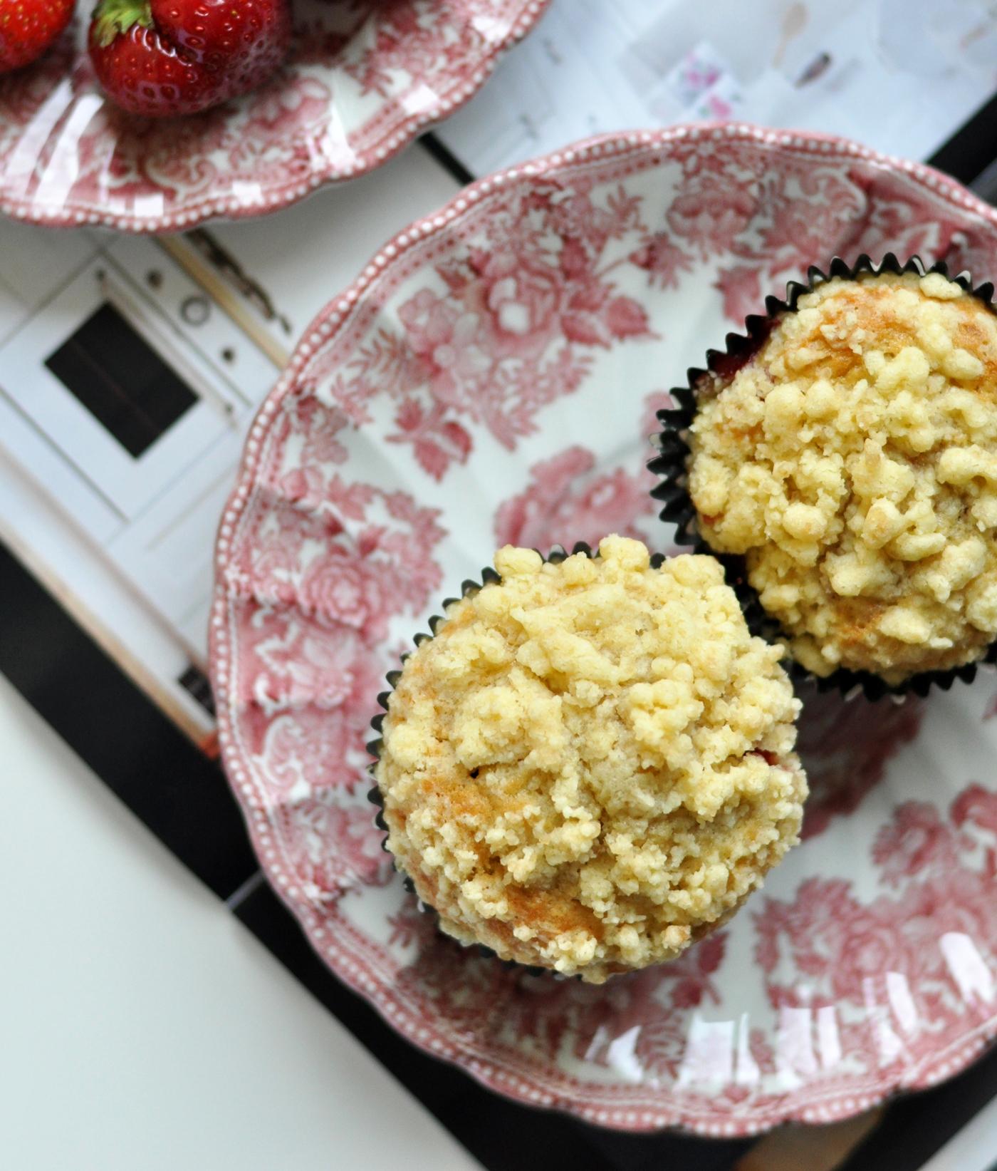 Truskawkowo-bananowe muffinki z kruszonką