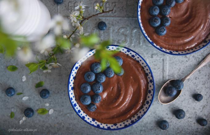 8b842-mus-czekoladowy-z-awokado